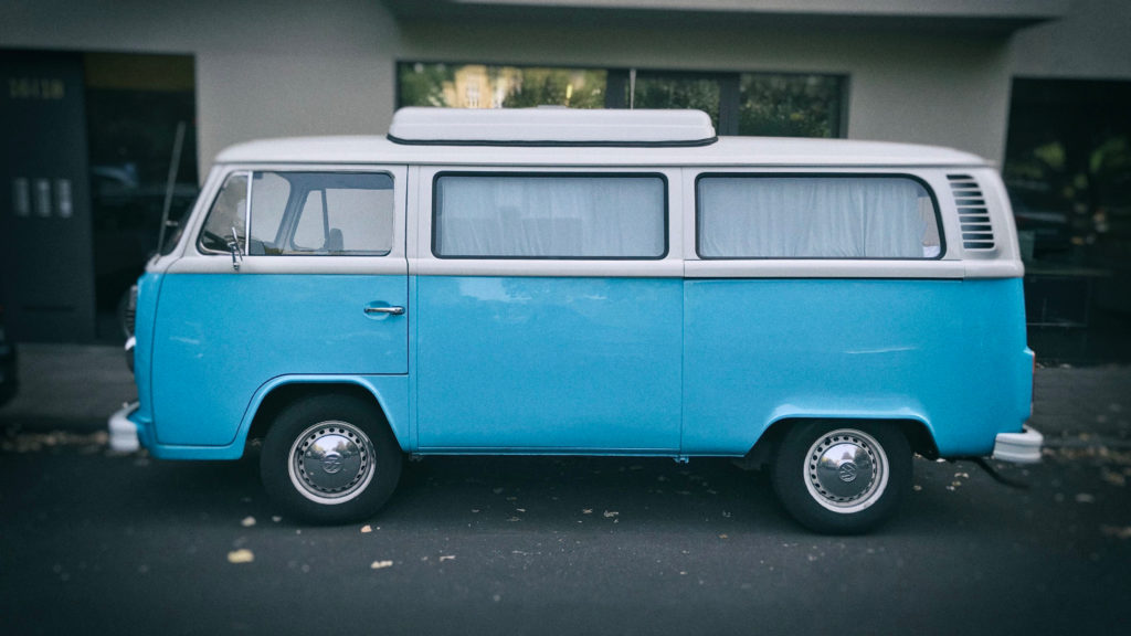 VW T2 Camper-Van mit 70er Flair